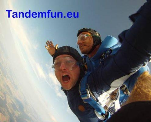 Fallschirmspringen Bayern mit Edi Engl, Tandemsprung Gutschein Geschenk Niederbayern, Oberpfalz