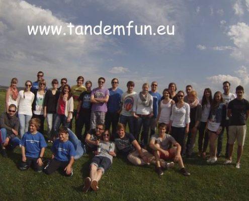 Tandem Fallschirmspringen Bayern mit Edi Engl von Tandemfun aus Amberg in der Oberpfalz. Der Event in der Gruppe ist das Erlebnis mit Adrenalin Kick. Termine auf der Webseite. Holt Euch das Fallschirmsprung Erlebnis als Incentive, um den Zusammenhalt..
