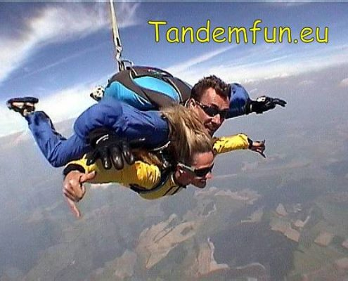 Tandemsprung Fallschirmsprung Regensburg Oberpfalz mit Tandemfun