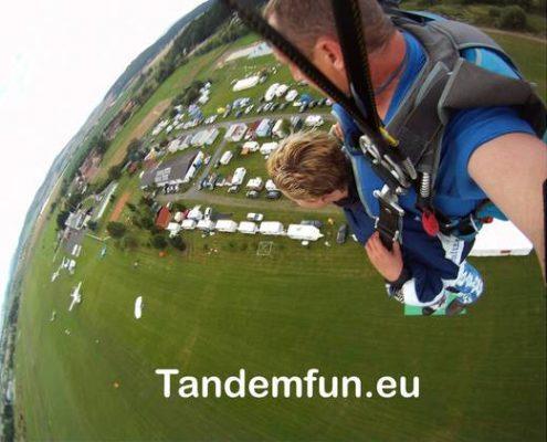 Fallschirmspringen Gutschein Bayern, Tandemsprung Bayern Geschenkidee