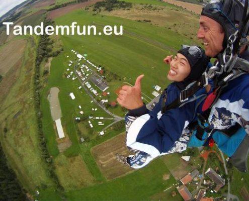 Fallschirmsprung München mit Edi Engl von Tandemfun