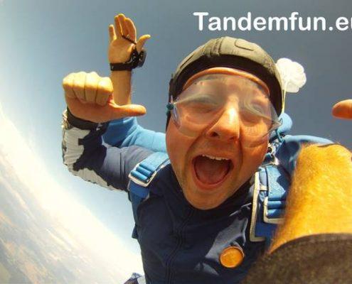 Fallschirmsprung Bayern mit Tandemfun, Tandemsprung Geschenk Gutschein